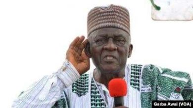 Photo of Fru Ndi Leaves Cameroon For US As Amba Scare Forces Him Out Of North West