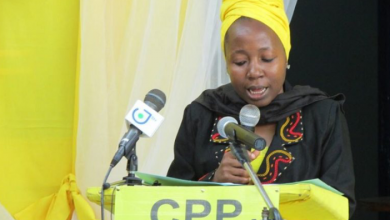 Photo of Kah Walla Weeps For Cameroon's Forgotten Heroes, Urges Youth To Fight For Political Change