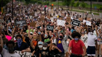 Photo of Thousands march in protest, demand justice for black man killed in Minneapolis, USA