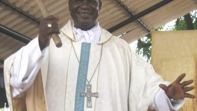 Photo of PM Dion Ngute pledges support for Archbishop Kleda's COVID-19 treatment