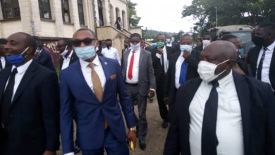 Photo of Fako Lawyers Storm Buea Central Judicial Station Amid Colleague's Indictment